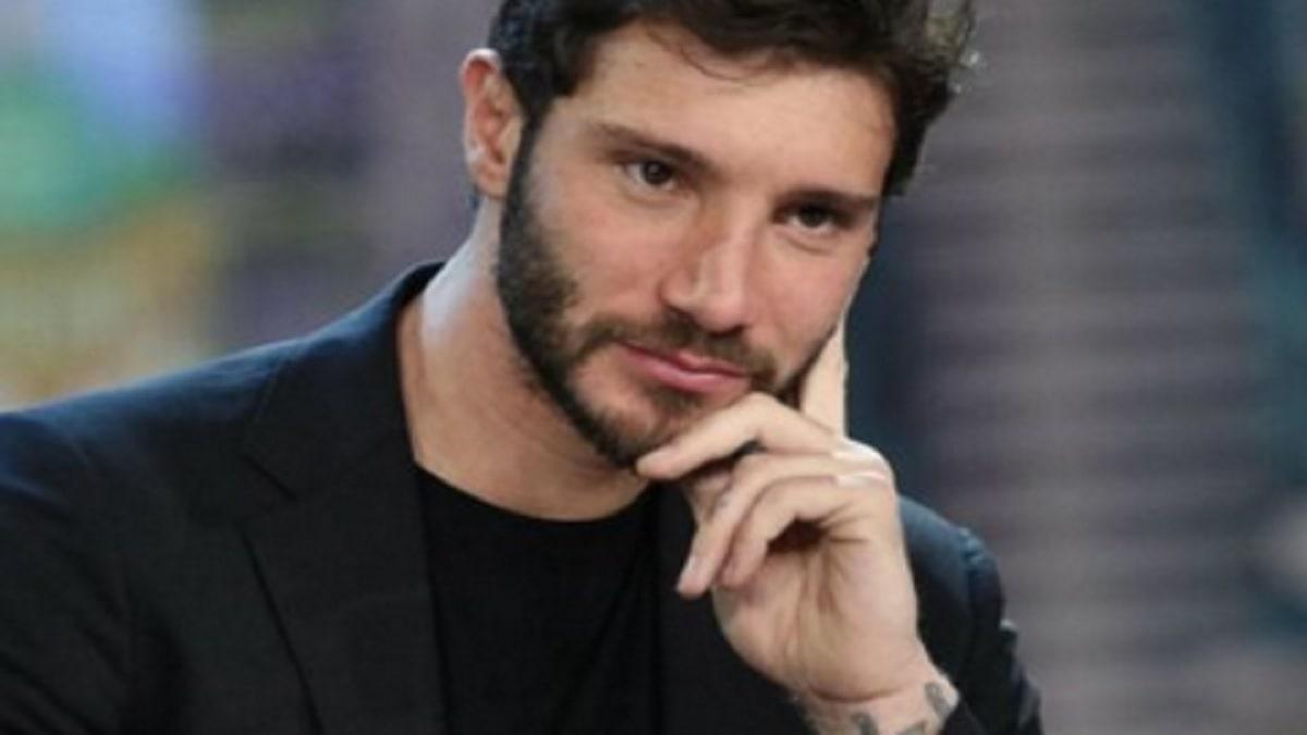 Stefano de Martino convive con Mariacarla Boscono? Le foto