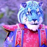 """Il cantante mascherato: chi è la Tigre Azzurra? """"Amici pochi e solitari"""""""