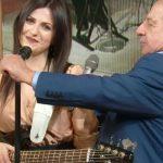 """I Fatti Vostri, imprevisto col microfono. Giancarlo Magalli: """"Si è rotto"""""""