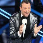 """Amadeus, applausi finti a Sanremo 2021: """"E' un aiuto psicologico"""""""