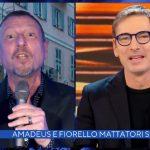 """Amadeus mette in imbarazzo Marco Liorni: """"Una goccia esce sempre"""""""