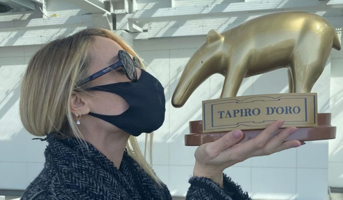 foto Ilary Blasi tapiro oro