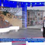 """Alberto Matano preoccupato a La vita in diretta: """"Fa assai impressione"""""""