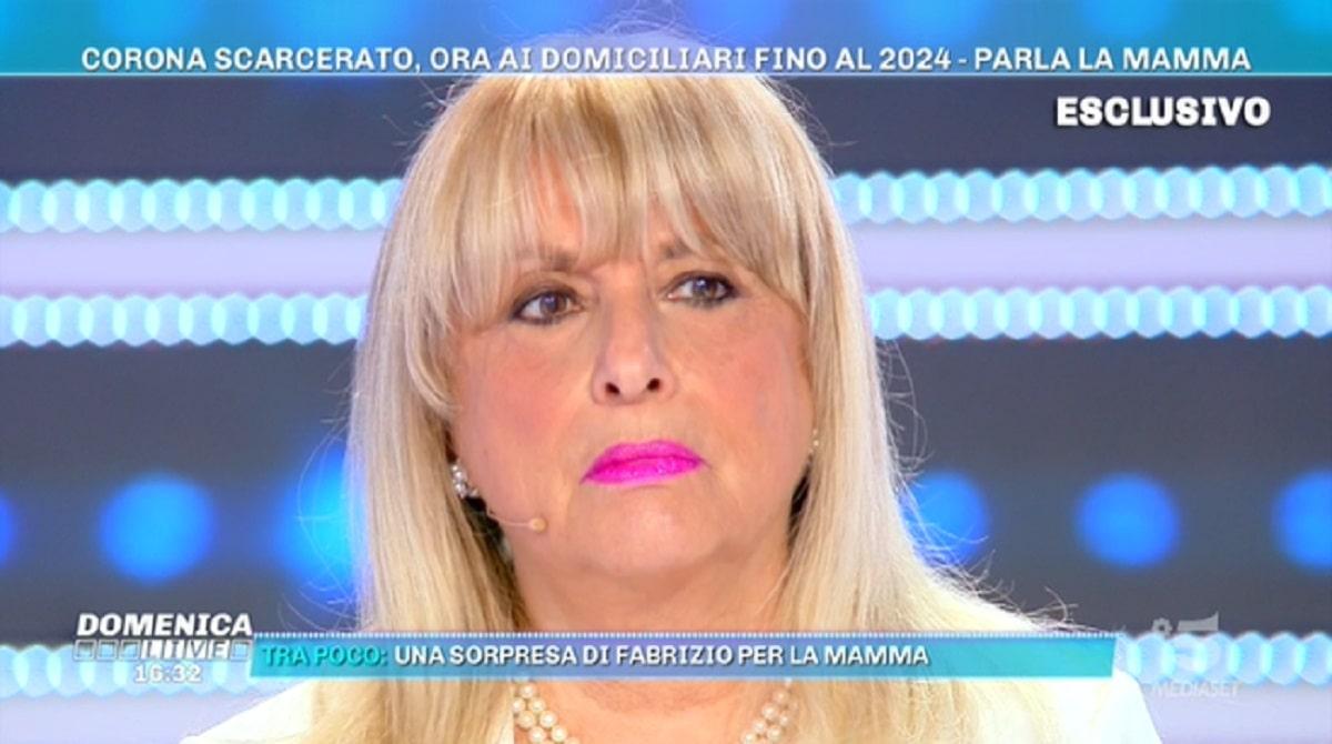 Foto Mamma Fabrizio Corona Domenica Live
