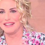 """Antonella Clerici: """"Non posso vivere senza… cane!"""". La gag in diretta"""