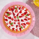 È sempre mezzogiorno, dolce di Natalia Cattelani: torta furba alle fragole