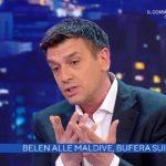"""Belen Rodriguez alle Maldive, è polemica. Poletti: """"Che problema c'è?"""""""