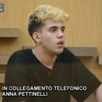"""Aka7even contro Anna Pettinelli ad Amici: """"Non vuole venirmi incontro"""""""