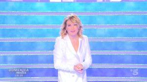 Foto Barbara d'Urso Annuncio Ultima Puntata Domenica Live