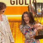 "Giulia Stabile vince Amici 20. Sangiovanni: ""Bellissima così com'è"""