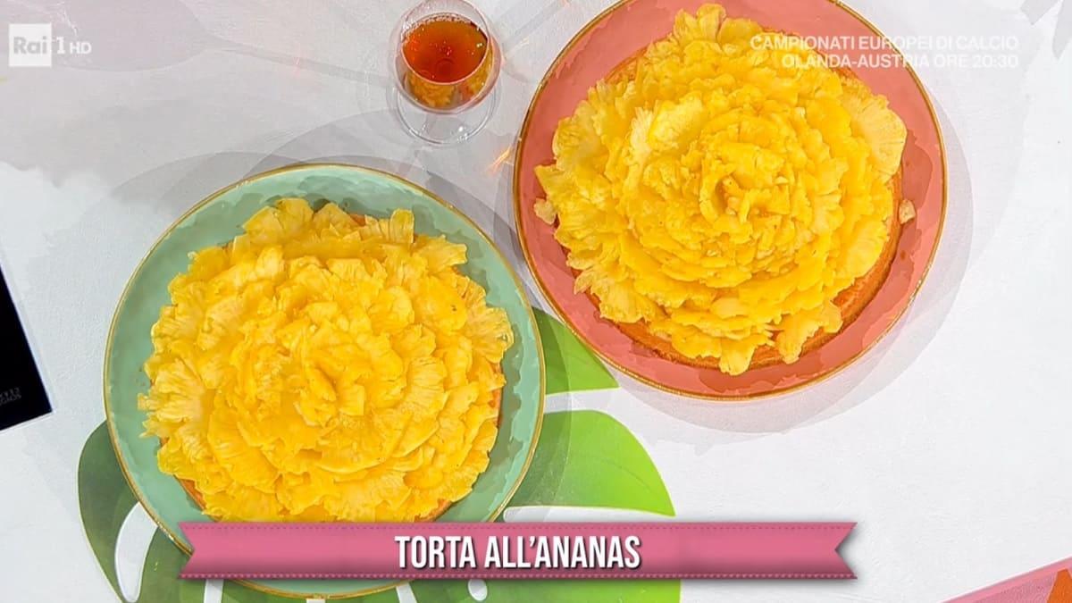 foto È sempre mezzogiorno torta ananas