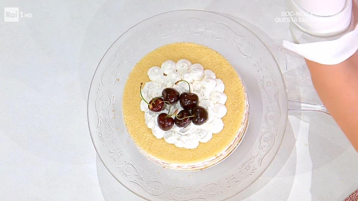 foto È sempre mezzogiorno torta ciliegie