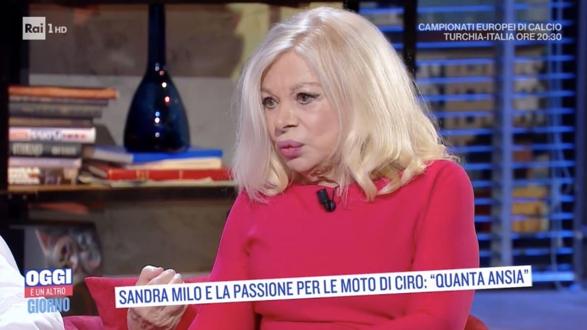 Foto Sandra Milo Oggi È Un Altro Giorno