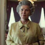 The Crown 5: la prima foto di Imelda Staunton nei panni della Regina Elisabetta