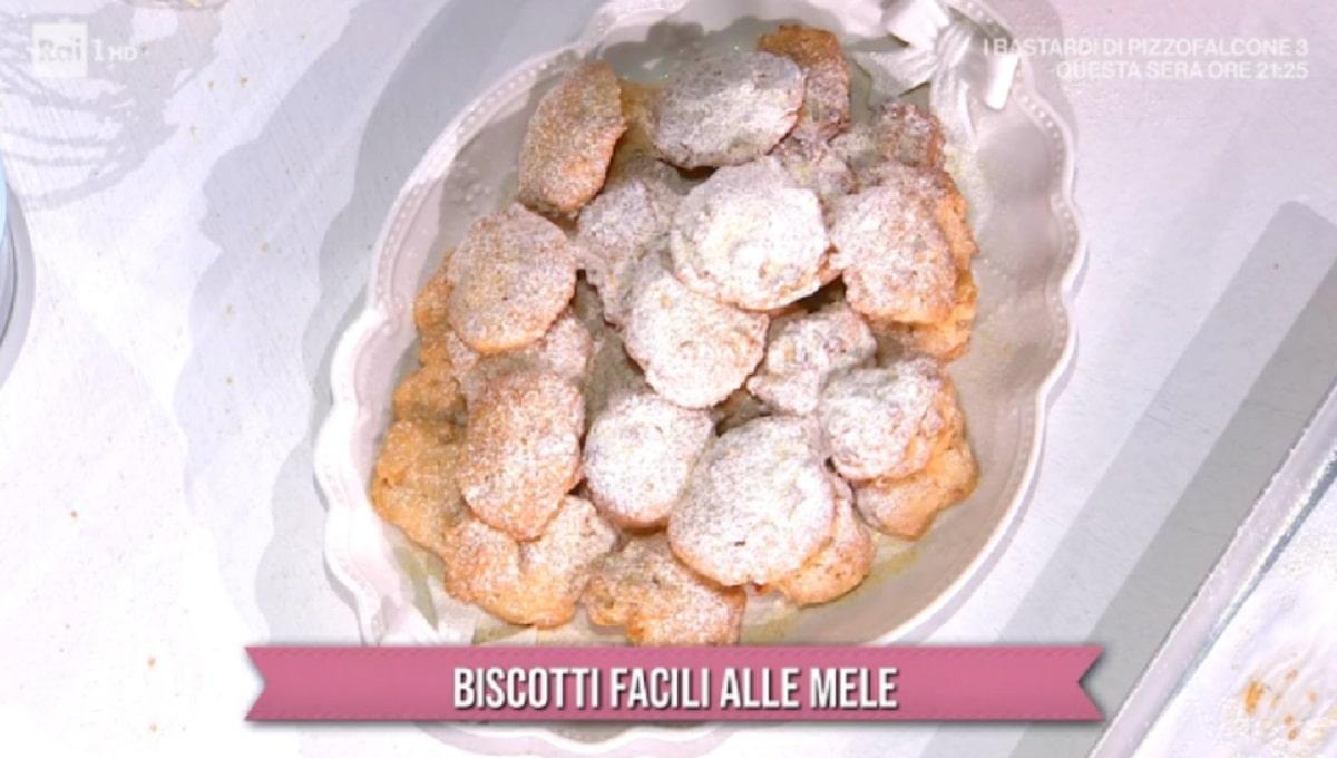 Foto Biscotti Alle Mele E Sempre Mezzogiorno Zia Cri