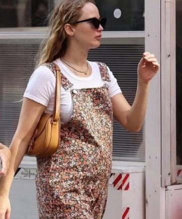 Foto Jennifer Lawrence Incinta