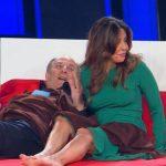 """Tu sì que vales, Gerry Scotti provoca Sabrina Ferilli: """"Ho foto con te a letto"""""""