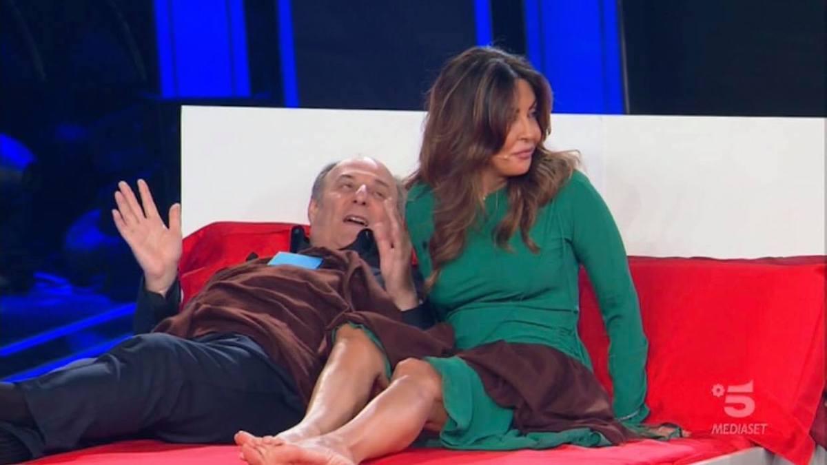 foto gerry scotti a letto con Sabrina ferilli