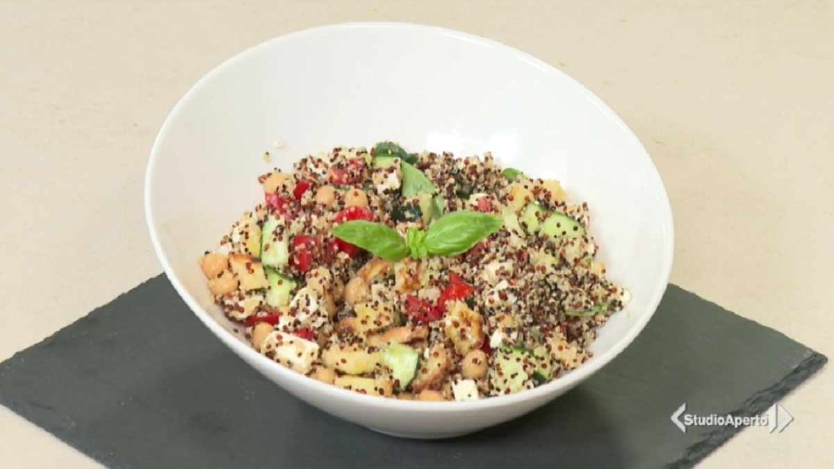 foto insalata quinoa cotto e mangiato