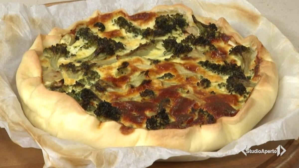 foto torta broccoli e pecorino cotto e mangiato