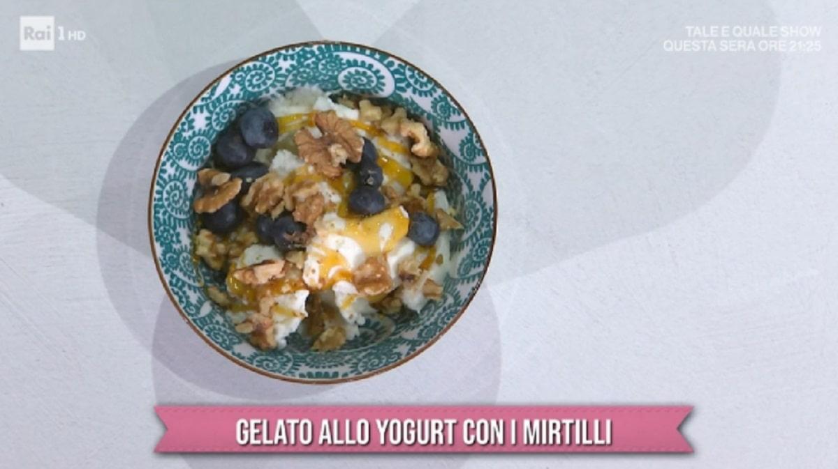 Foto Gelato Allo Yogurt Con Mirtilli E Sempre Mezzogiorno